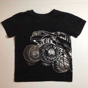 💚5/$20💚Monster Truck Graphic Tee Size 2T